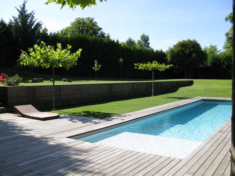 Pool steine behncke with pool steine pool gestaltung for Poolgestaltung mit steinen